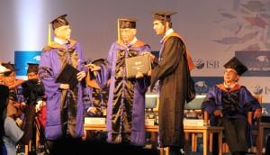 Graduation_ceremony[1]